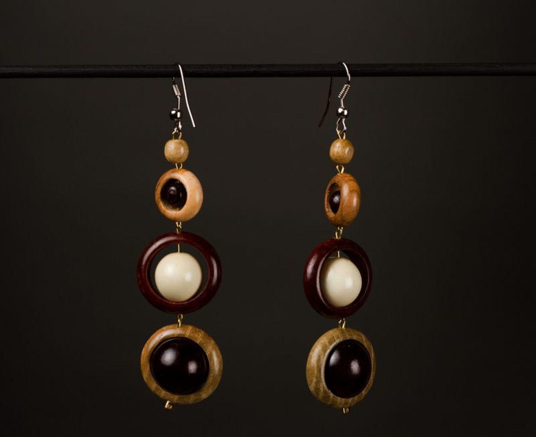 Long wooden earrings photo 1