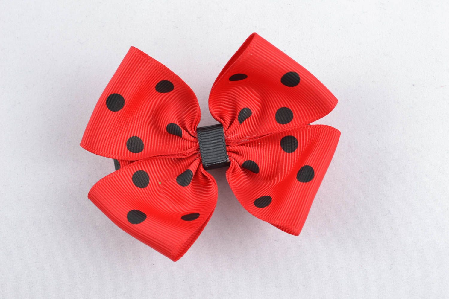Red hair bow photo 1