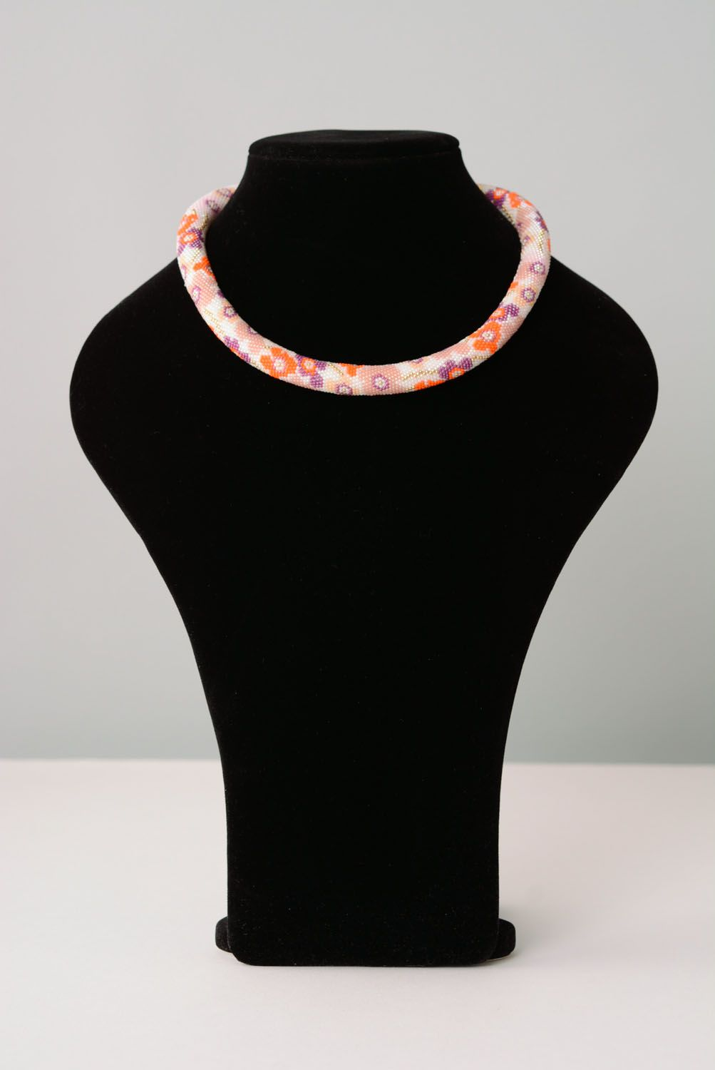 Floral beaded cord necklace photo 1