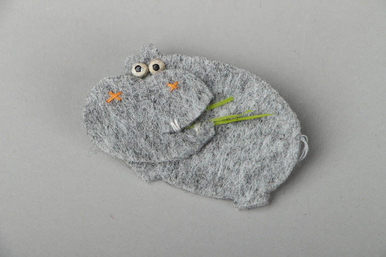 Felt brooch Hippo photo 1