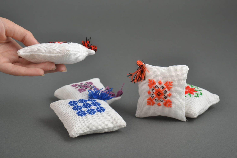 madeheart alfileteros de tela hechos a mano almohadillas
