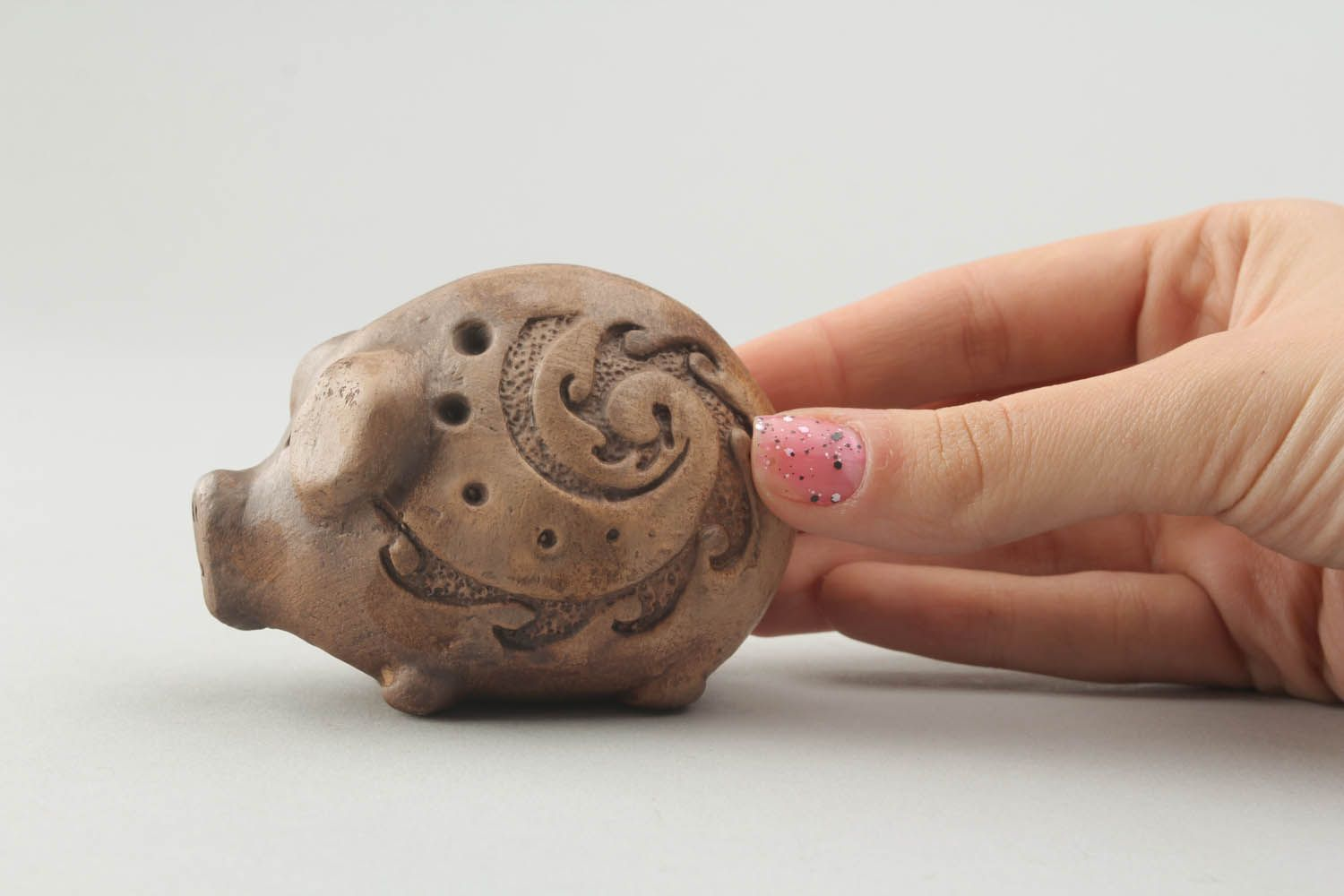 Ceramic whistle in the shape of a pig photo 2