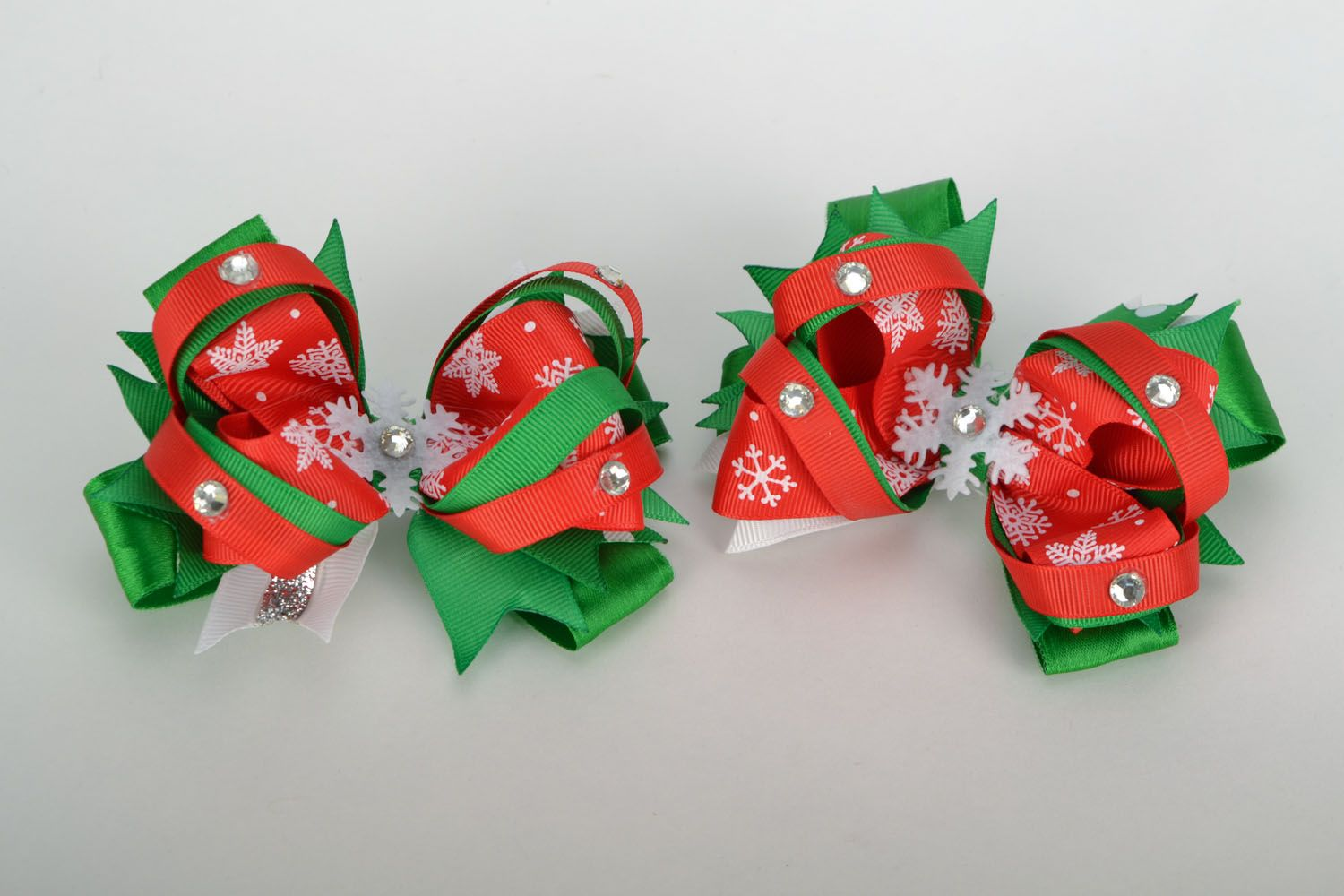 Hair clips with rep ribbons Christmas photo 3