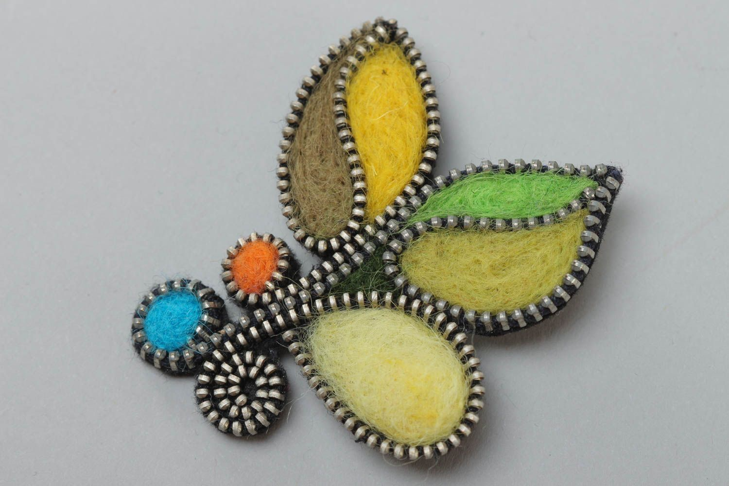 Handmade designer felting wool brooch decorated with zipper multi-colored accessory photo 2