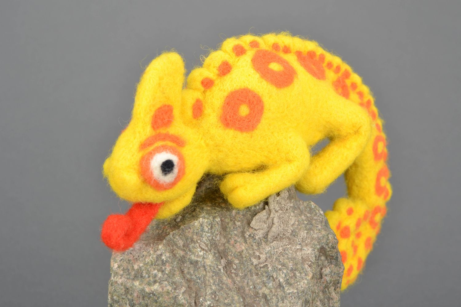 Handmade felt toy Chameleon photo 3