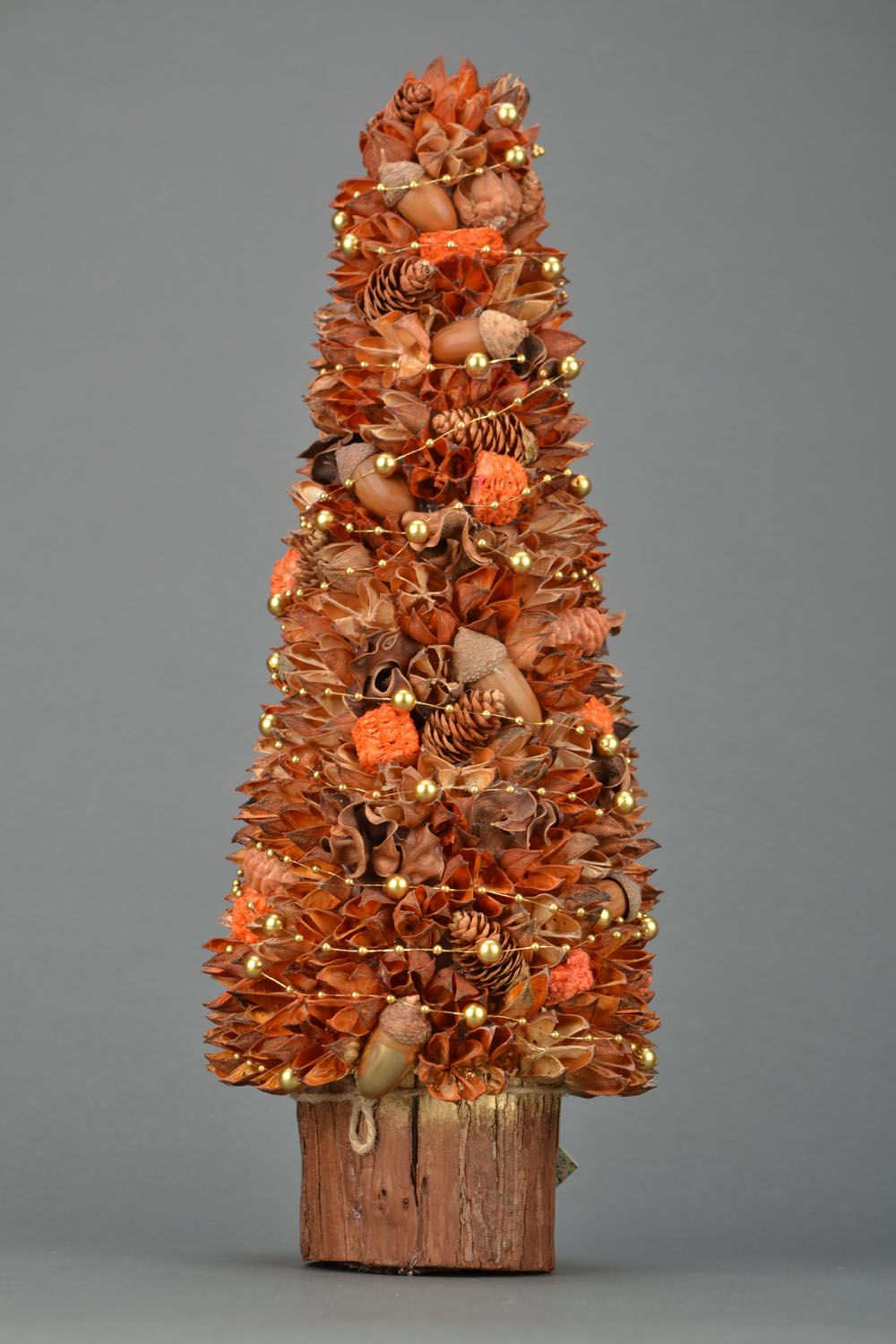 Decorative tree with natural materials photo 4