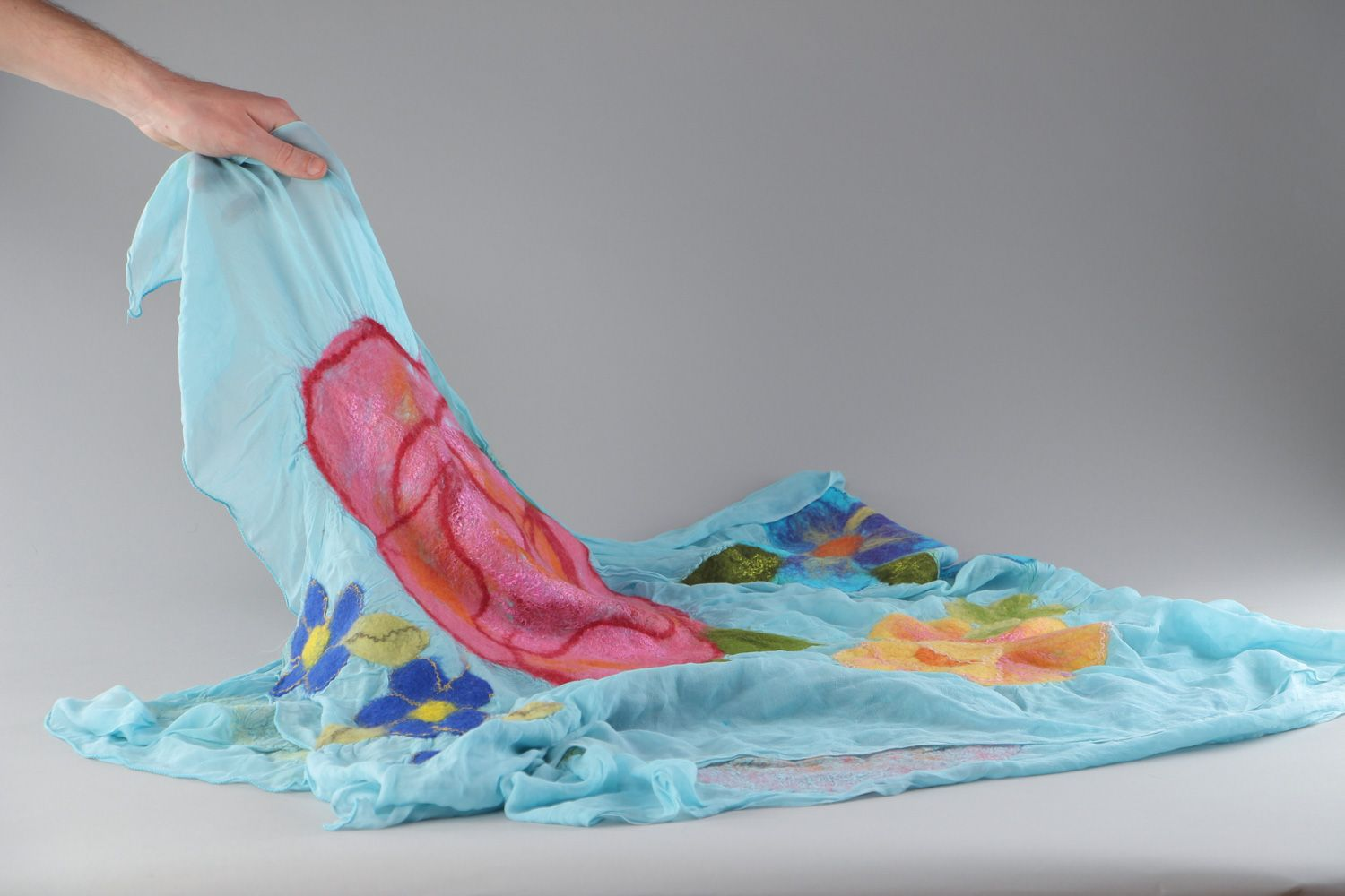 Tender handmade silk and chiffon blue scarf with felted wool pink flowers photo 4