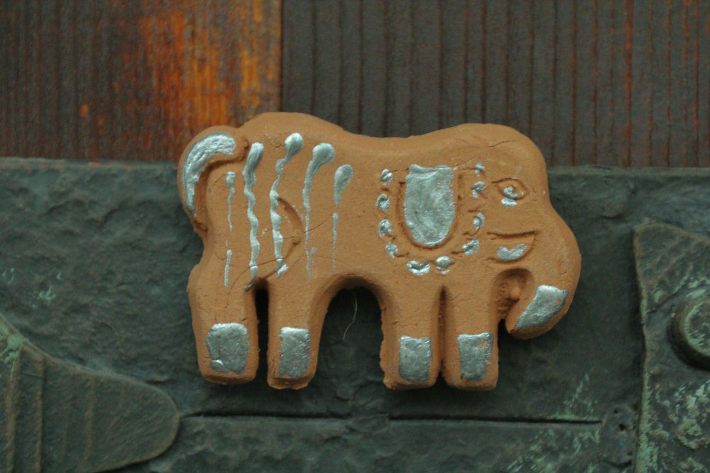 Clay fridge magnet in the shape of elephant photo 1