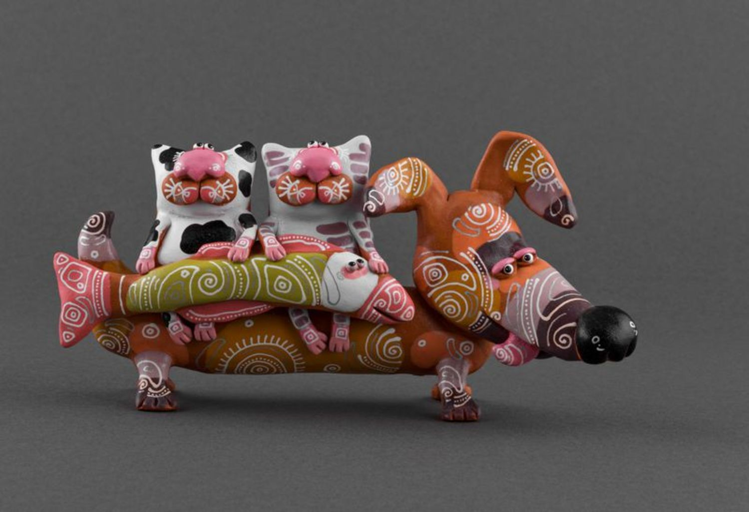 Clay figurine Badger dog with cats photo 2
