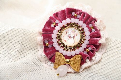 Vintage brooch with cameo - MADEheart.com