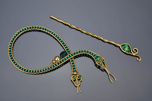 Beaded metal brooch Snake - MADEheart.com