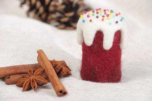Handmade small decorative Easter cake felted of natural wool with colorful beads - MADEheart.com