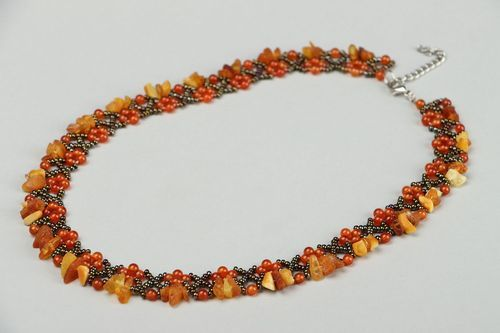 Beaded necklace with carnelian and amber - MADEheart.com