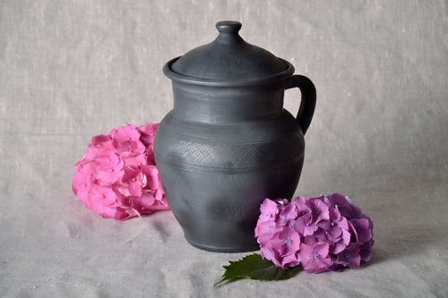 Clay jar with lid - MADEheart.com