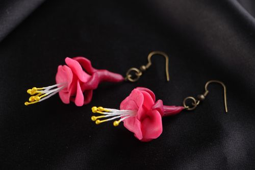 Bright pink handmade floral dangle earrings molded of polymer clay for women - MADEheart.com