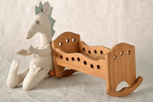 Toy cradle - MADEheart.com