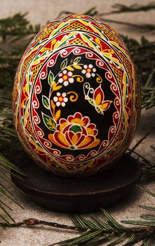 Painted Easter egg At the dawn - MADEheart.com