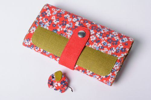 Handmade designer accessories wallet and brooch sewn of cotton and linen fabrics - MADEheart.com