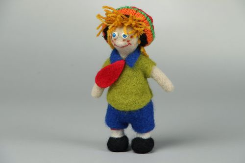 Woolen toy Man in a Hat - MADEheart.com