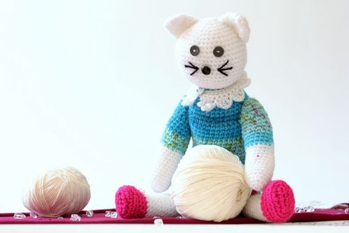 Knitted toy Cat in dress - MADEheart.com