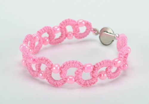 Bracelet braided from thread pink - MADEheart.com