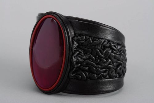 Massive bracelet made of cow horn and genuine leather  - MADEheart.com