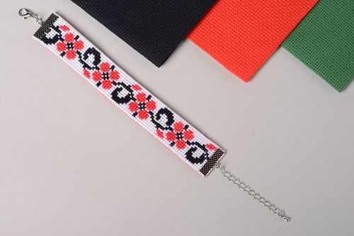 Handmade contrast cross stitch embroidered bracelet in ethnic style - MADEheart.com