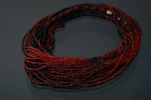 Multi-row beaded necklace of red and black colors - MADEheart.com