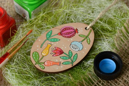 Handmade painted plywood interior pendant magnet - MADEheart.com