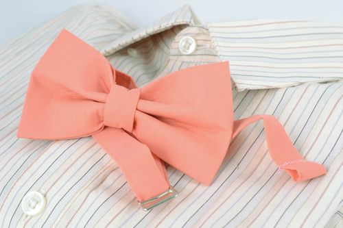 Handmade cotton bow tie of peach color - MADEheart.com