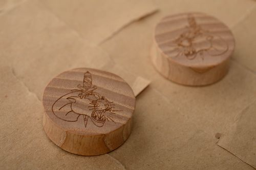 Wooden ear plugs with engraving - MADEheart.com