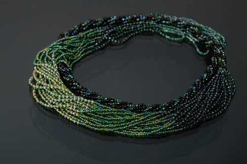 Multirow beaded necklace Black and Green - MADEheart.com