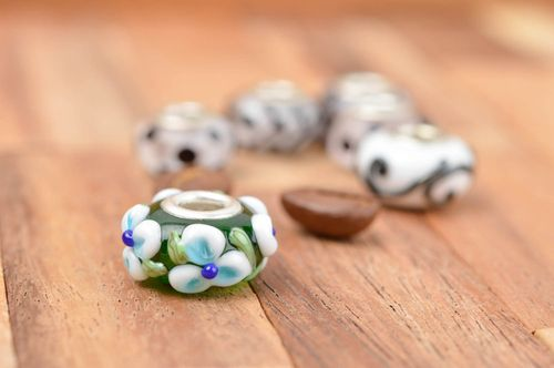 Beautiful handmade glass bead creative work ideas fashion accessories gift ideas - MADEheart.com