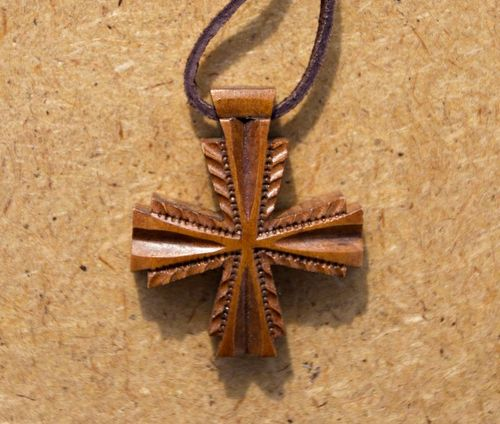 Cross carved of pear wood - MADEheart.com