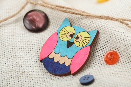 Handmade designer plywood animal brooch painted with acrylics colorful owl - MADEheart.com