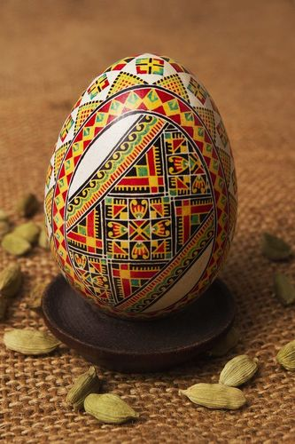 Easter painted egg - MADEheart.com