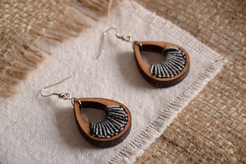 Handmade plywood teardrop-shaped earrings with embroidery in eco style - MADEheart.com