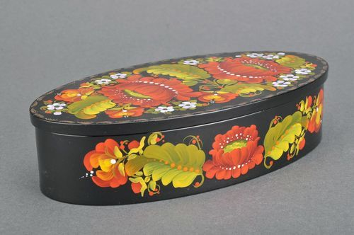Oval wooden box with floral pattern - MADEheart.com