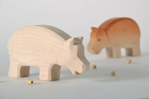 Wooden figurine Hippo - MADEheart.com