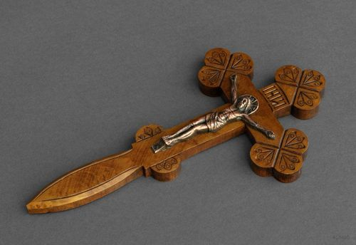 Wooden wall cross - MADEheart.com