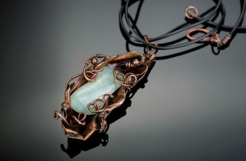 Pendant with chrysoprase Fulfillment of Wishes - MADEheart.com