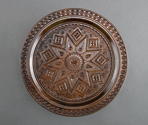 Ethnic wooden plate - MADEheart.com