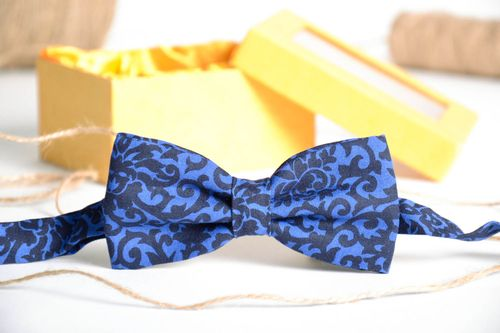 Blue cotton bow tie - MADEheart.com