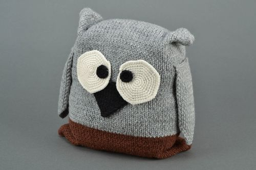 Soft knitted toy owl - MADEheart.com