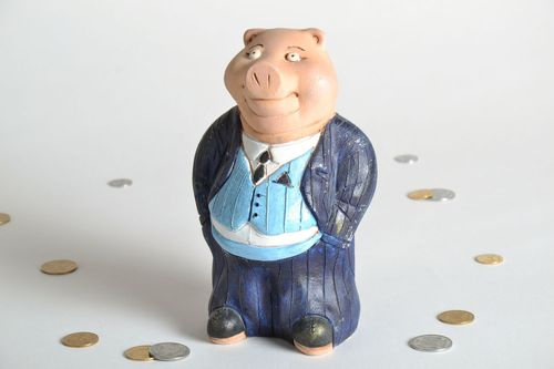 Money box in the shape of a pig - MADEheart.com
