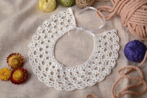 Detachable crochet collar - MADEheart.com