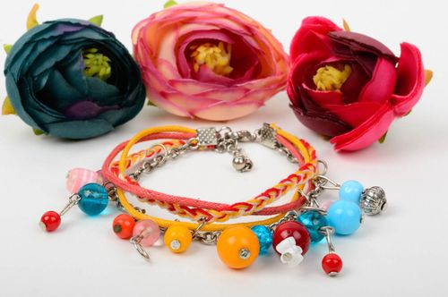 Stylish handmade beaded bracelet fashion accessories beadwork ideas small gifts - MADEheart.com