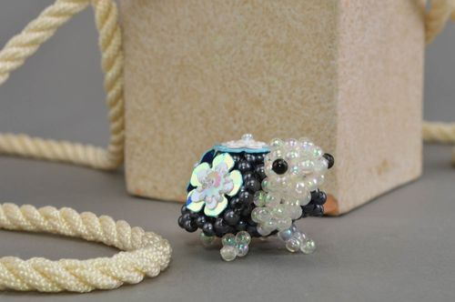 Miniature figurine woven of beads small turtle handmade table decoration - MADEheart.com