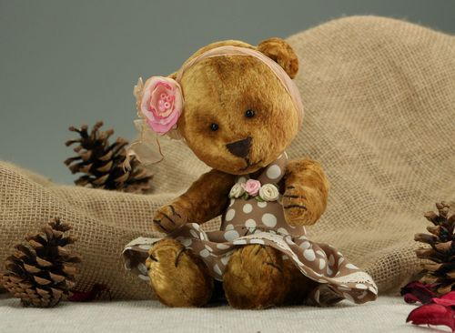 Plush bear made using Teddy technique - MADEheart.com