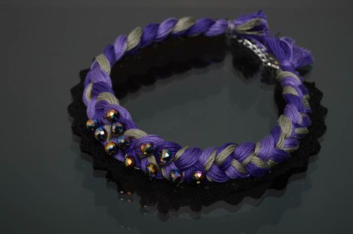Violet moulin thread necklace with beads - MADEheart.com